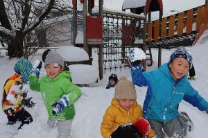 雪合戦の始まりです